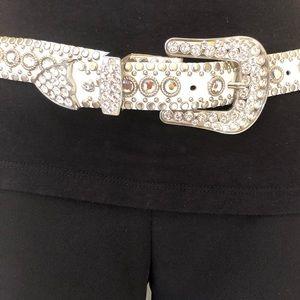 Kippy white leather belt